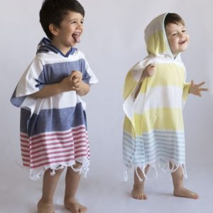 Poncho à capuche pour enfant doublé éponge