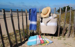 Cabas de plage et Foutas plats bande blanche