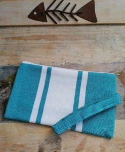 Pochette de plage fouta bande blanche bleu paon